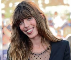 Lou Doillon : elle dévoile un sein sur le tapis rouge du Festival du film américain de Deauville, le 30 août 2013