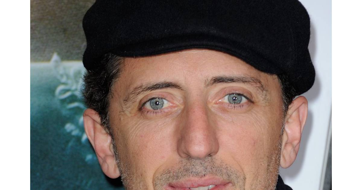 gad elmaleh appara tra dans la pastille la t l commande. Black Bedroom Furniture Sets. Home Design Ideas