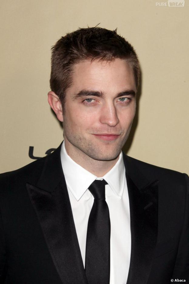 Robert Pattinson complexé par son manque de muscles