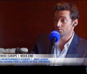 Hugh Jackman parle du tournage de X-Men avec Omar Sy, au micro des Incontournables de Nikos Aliagas sur Europe 1 le 25 septembre 2013