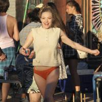 "Amanda Seyfried en culotte sur le tournage du film ""While We're Young"""