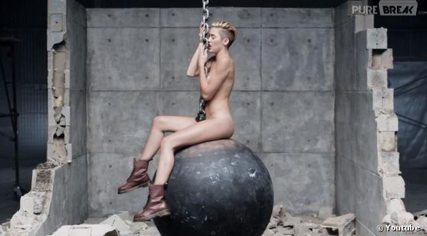 Miley Cyrus - Wrecking Ball, le clip qui a fait de l'effet à Liam Hemsworth.