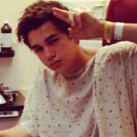 Austin Mahone à l'hôpital : caillots de sang et déshydratation pour le chanteur