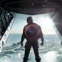 Captain America 2 : Chris Evans en costume sur une nouvelle affiche