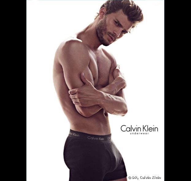 Jamie Dornan : sexy en caleçon pour Calvin Klein