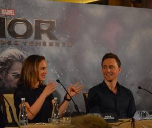 Tom Hiddleston et Natalie Portman à la conférence de presse de Thor 2 le 24 octobre 2013 à Paris