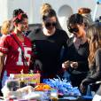 Kim Kardashian avec Kris Jenner, Khloé, Kourtney, Kendall et Kylie pour une brocante en famille, le 10 novembre à Los Angeles