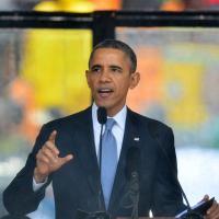 Barack Obama : flagrant délit de selfie à la cérémonie d'hommage à Mandela