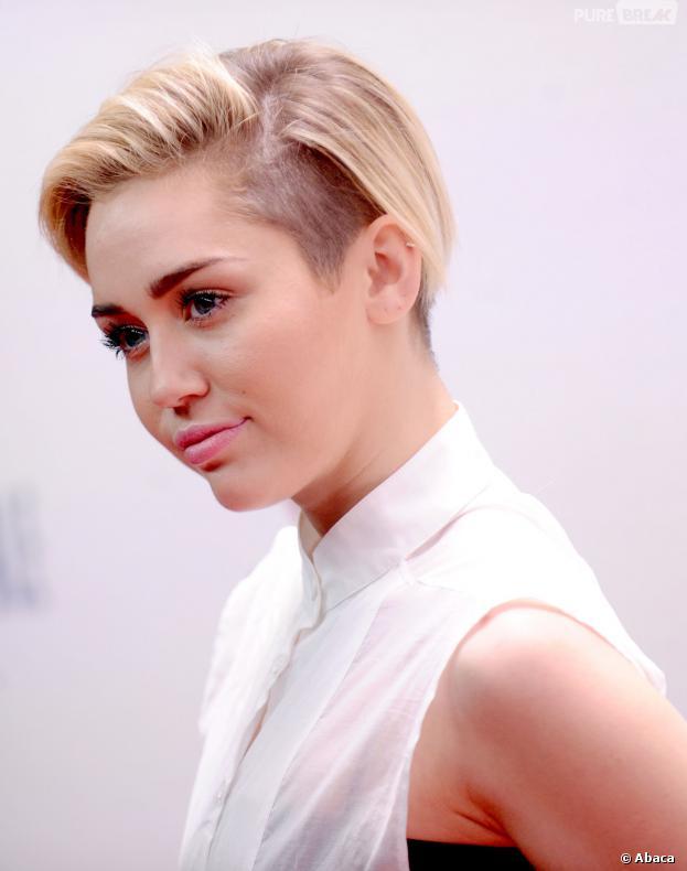Miley Cyrus : Kellan Lutz dément les rumeurs de couple