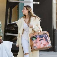 Kim Kardashian : le cadeau de Noël de Kanye West ? Un sac avec des gens nus