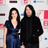 Lana Del Rey fiancée en secret à Barrie-James O'Neill ?