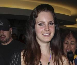Lana Del Rey : secrètement fiancée à Barrie-James O'Neill ?