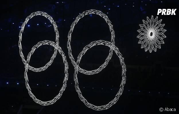 JO Sotchi 2014 : un anneau olympique absent de la cérémonie d'ouverture