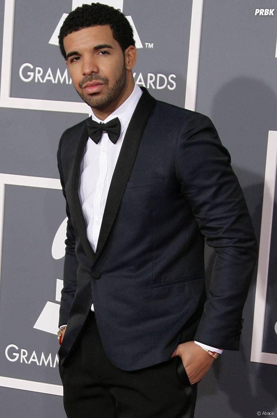 Drake prend la pose aux Grammy Awards 2013