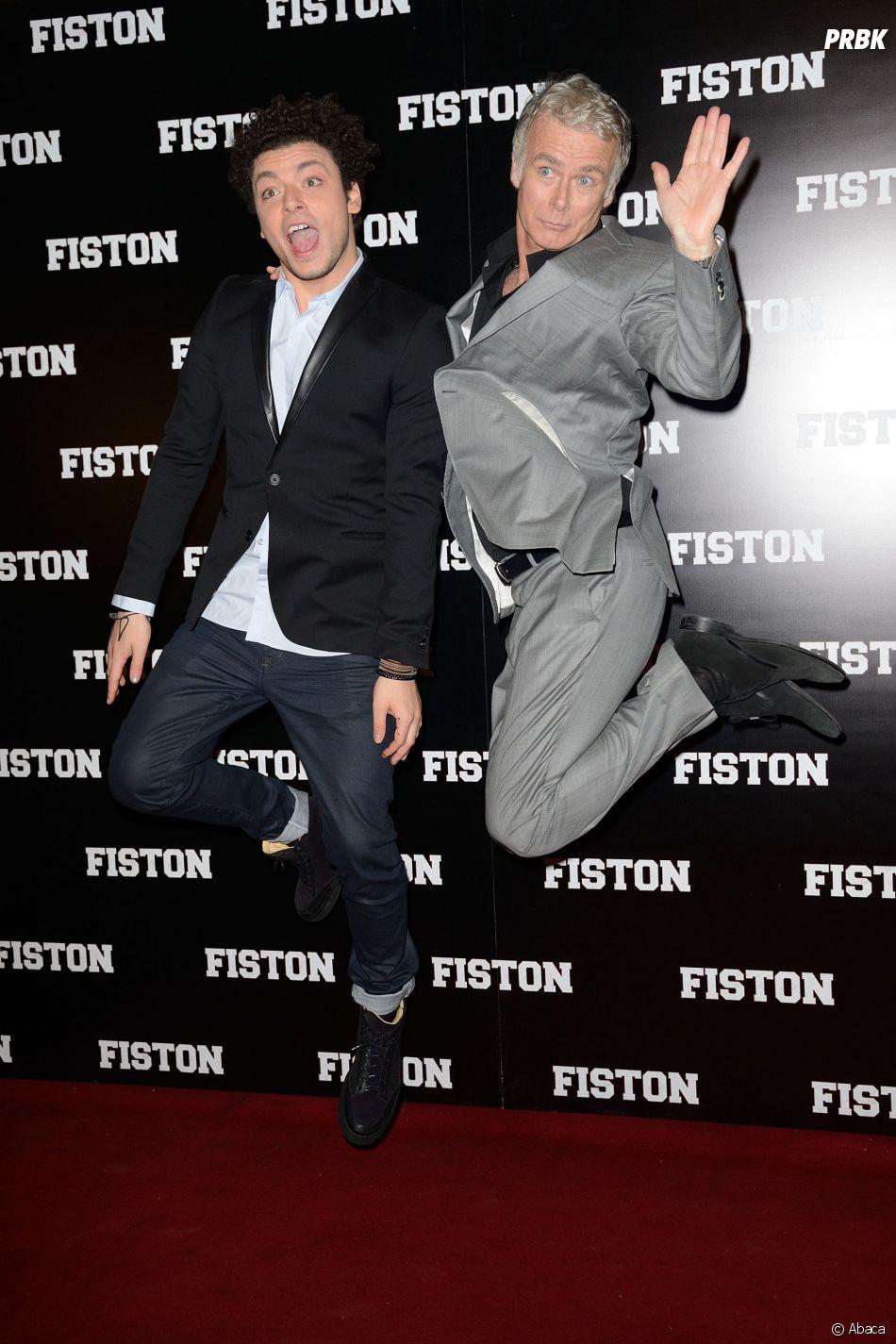 Kev Adams et Franck Dubosc s'éclatent devant les photographes pour l'avant-première du film Fiston à Paris, le 10 février 2014