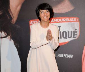 Florence Foresti prend la pose sur le tapis rouge de Situation amoureuse : c'est compliqué, le 17 mars 2014 à Paris