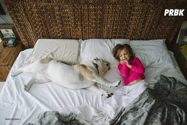 Lola et Harper au lit