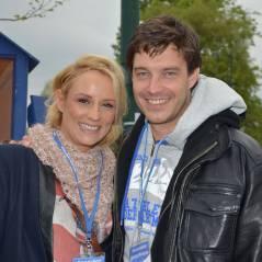 Elodie Gossuin amoureuse et souriante pour l'ouverture de la Foire du Trône 2014