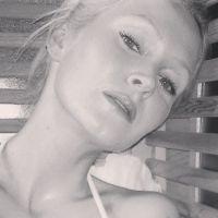 Tatiana Laurens : selfie sexy dans un sauna