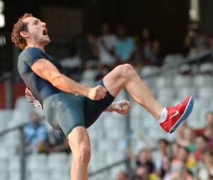 Renaud Lavillenie réussit le record de 6,16m, le 15 février 2014 en Ukraine