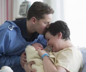 Once Upon a Time saison 3, épisode 20 : première photo de Snow, Charming et de leur bébé