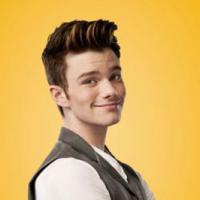 Glee saison 5, épisode 19 : Kurt en Peter Pan et Rachel ridicule dans la promo