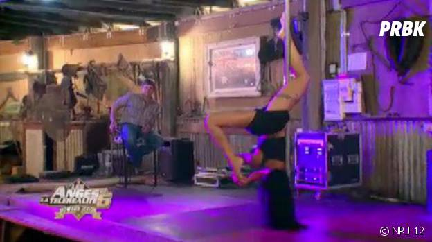 Les Anges 6 : Shanna en mode pole-dance sexy