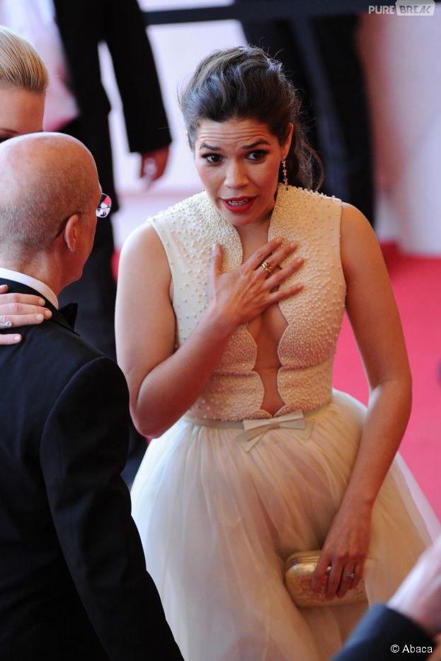 America Ferrera effrayée sur le tapis rouge du Festival de Cannes, le 16 mai 2014