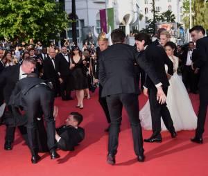 Scène de mêlée sur le tapis rouge du Festival de Cannes, le 16 mai 2014