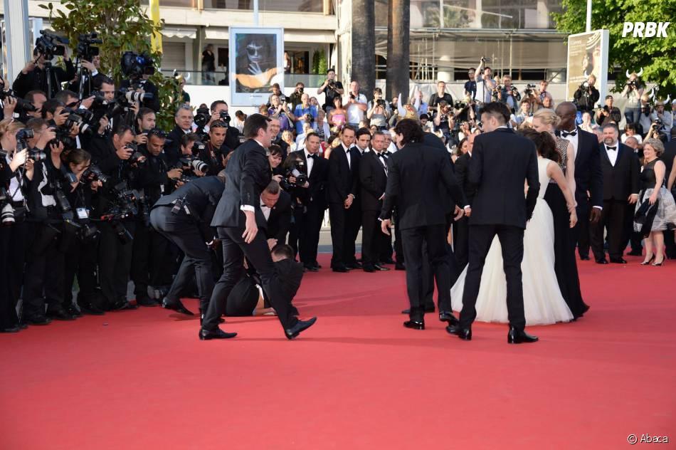 America Ferrera : panique sur le tapis rouge du Festival de Cannes, le 16 mai 2014