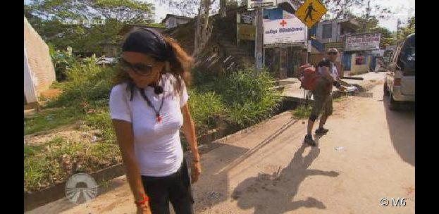 Pékin Express 2014 : Fred balance une bouteille d'eau au visage de Chantal