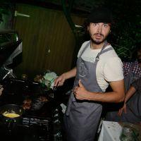 Maxime Musqua, roi du barbecue devant Frédérique Bel à la soirée Heineken