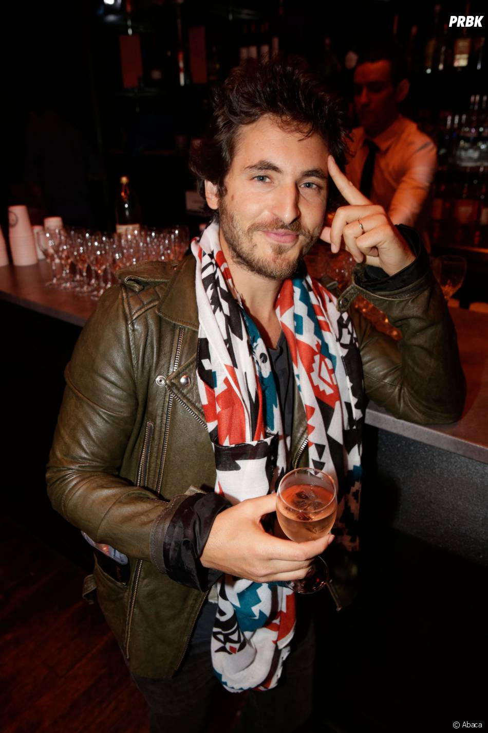 """Mickael Miro au showcase de Sébastien Patoche pour la sortie de l'album """"Look d'enfer"""", au Théâtre du Renard, le 1 juillet 2014"""