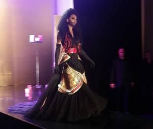Conchita Wurst lors du défilé Haute Couture automne-hiver 2014/2015 de Jean-Paul Gaultier, le 9 juillet 2014