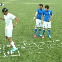Kev Adams tacle Mathieu Valbuena et parodie la Coupe du Monde