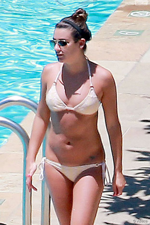 Lea Michele sexy en bikini, le 12 juillet 2014 à Santa Barbara