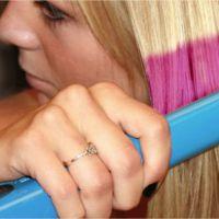 Un fer à lisser pour colorer les cheveux : l'invention girly de l'année ?