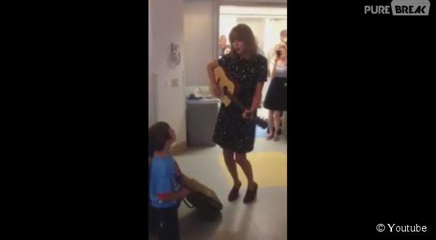 Taylor Swift chante une chanson pour un fan atteint d'un cancer : la vidéo touchante