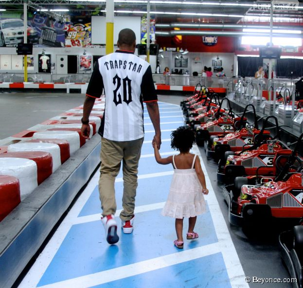 Beyoncé et Jay-Z : sortie au karting en famille
