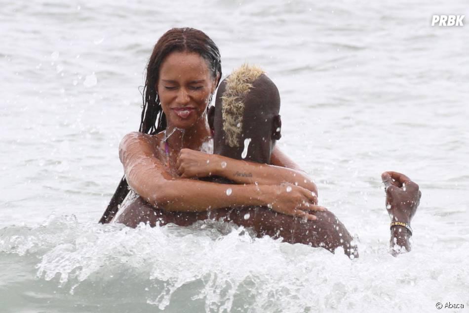 Mario Balotelli et Fanny Neguesha complices à Miami, le 6 juillet 2014