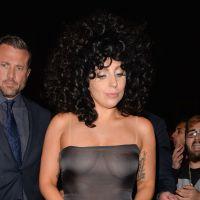 Lady Gaga à Bruxelles : seins apparents dans une robe transparente
