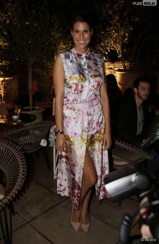 Laury Thilleman souriante à la soirée Make Up Forever, le 24 septembre 2014 au YOYO à Paris