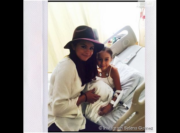 Selena Gomez : visite à une enfant malade, le 8 octobre 2014 à LA