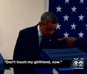 Barack Obama fait le show au bureau de votes