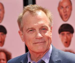 Stephen Collins accuse sa femme qui contre-attaque à son tour