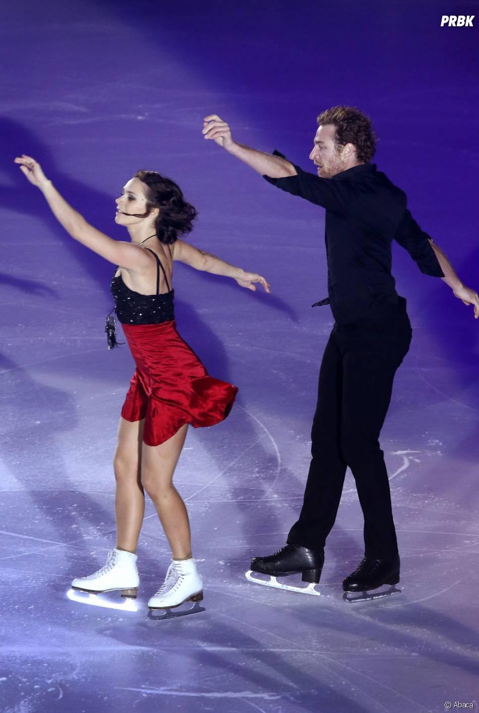 Nathalie Péchalat et Fabian Bourzat sur la glace à Bordeaux le 23 novembre 2014