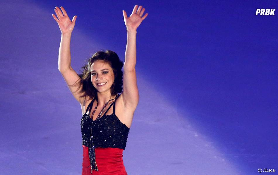Nathalie Péchalat tout sourire sur la glace le 23 novembre 2014