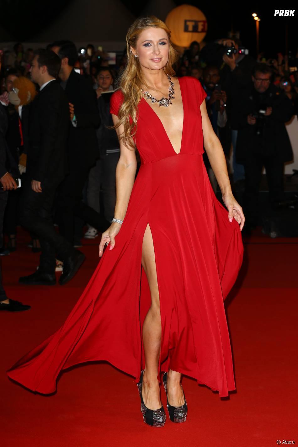 paris hilton sexy sur le tapis rouge