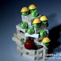 Impressionnant : ils refont Angry Birds en vrai et en slow motion