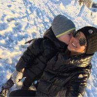 Amélie Neten et son fils Hugo : vacances complices à la neige